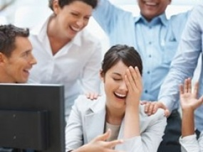 Australians are busy social networkers … at work
