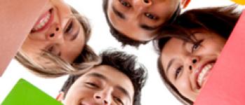 Distance education for teachers: a course for celebration