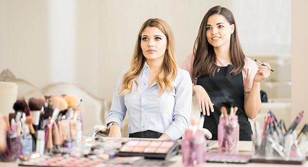 How to become a beautician in Australia: careers in beauty therapy