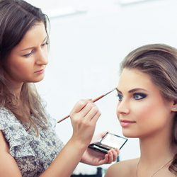 How to become a Makeup Artist in Australia