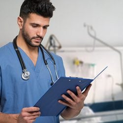 How to become a clinical nurse in Australia: careers in nursing