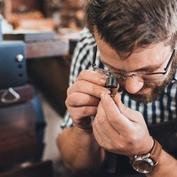 How to become a jeweller in Australia: careers in design