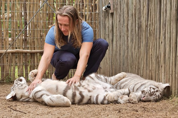 How to Become a Zookeeper in Australia: careers in Animal Care