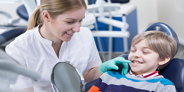 How To Become a Dental Assistant in Australia